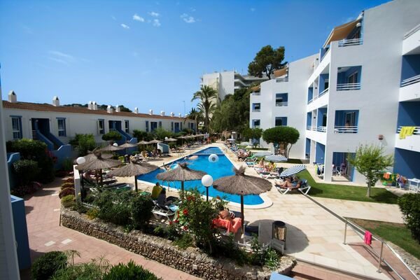 Holidays at Galdana Gardens Apartments in Cala Galdana, Menorca