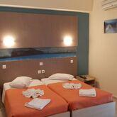 Planos Beach Hotel Picture 3