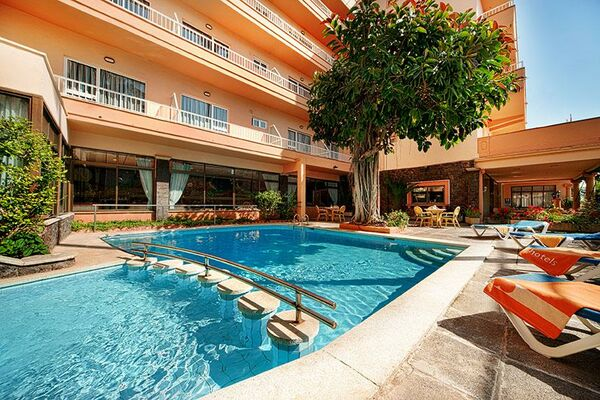 Holidays at HM Alma Beach Hotel in Ca'n Pastilla, Majorca