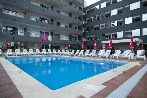 Holidays at El Puerto Apartments in Ibiza Town, Ibiza