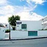 Los Rosales Apartments Picture 2