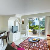 Crystal Cove by Elegant Hotels Picture 4