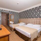 L' Etoile Beach Hotel Picture 4