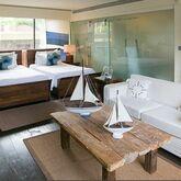 Dhevatara Beach Hotel & Spa Picture 4
