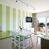 Salles Beach Apartments Picture 7
