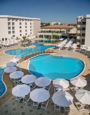 Holidays at Vangelis Hotel Apartments in Protaras, Cyprus