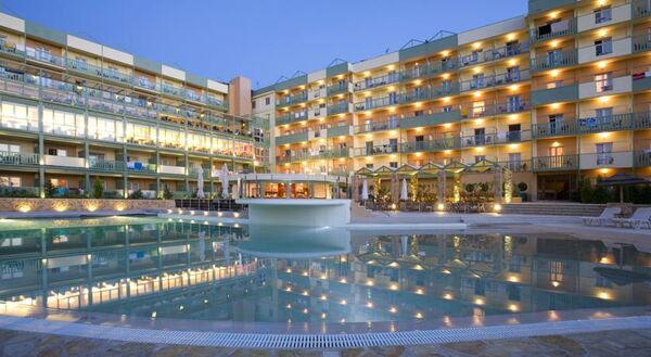 Holidays at Ariti Grand Hotel in Kanoni, Corfu