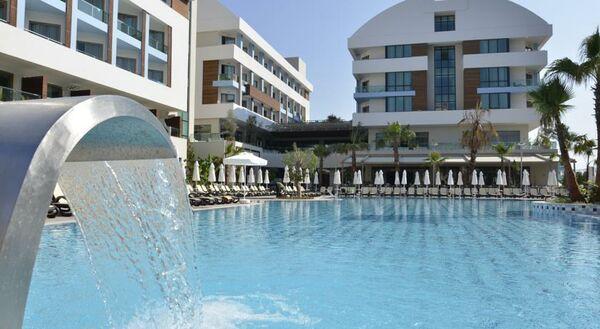 Holidays at Port Side Resort Hotel in Kumkoy Side, Side