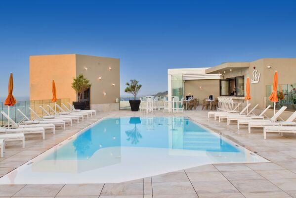 Holidays at Luna Holiday Complex in Mellieha, Malta