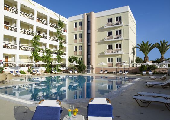 Holidays at Hersonissos Palace Hotel in Hersonissos, Crete