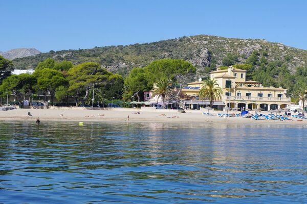 Holidays at Galeon Suites in Puerto de Pollensa, Majorca