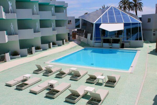 Holidays at Bora Bora Apartments in Playa d'en Bossa, Ibiza