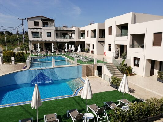 Holidays at Carisa Maleme in Maleme, Crete