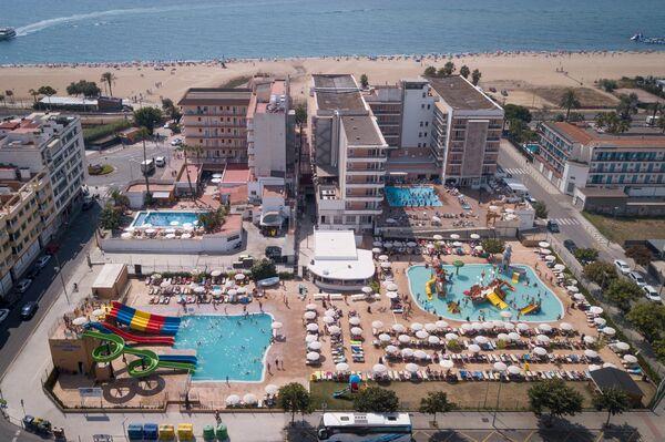 Holidays at Serhs Sorra Daurada Hotel in Malgrat de Mar, Costa Brava