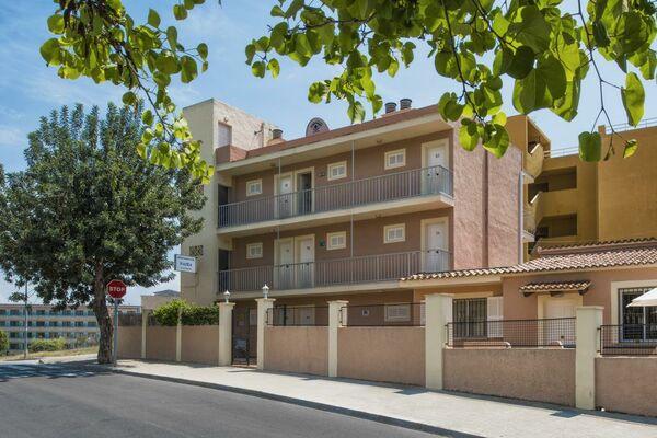 Holidays at Naika Apartments in Palma Nova, Majorca