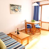 Holiday Park Apartments Picture 8