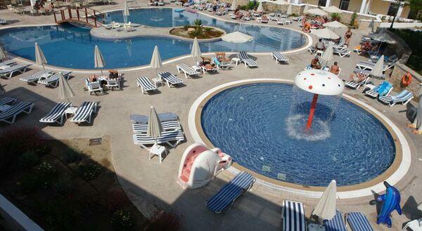 Holidays at Matina Apartments Hotel in Pefkos, Rhodes