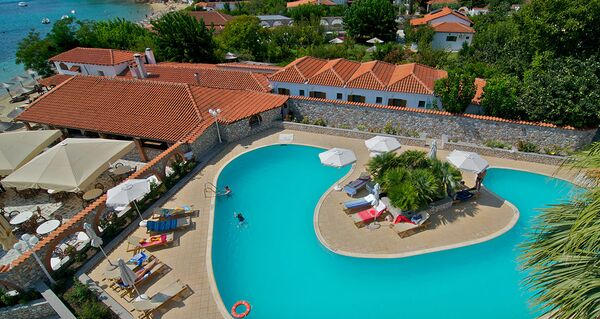 Holidays at Esperides Beach Hotel in Achladies, Skiathos