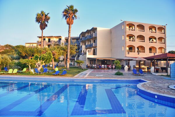 Holidays at Ocean Heights in Anissaras, Hersonissos