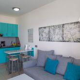 Los Veleros Apartments Picture 4