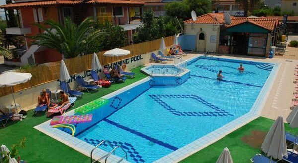 Holidays at Tom & John Center Apartments in Tsilivi, Zante