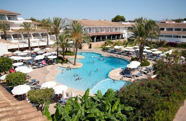 Holidays at Beach Club Font De Sa Cala Hotel in Font de sa Cala, Majorca