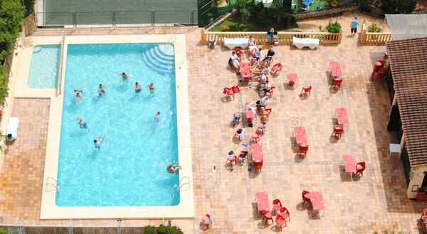 Holidays at Palm Court Apartments in Benidorm, Costa Blanca
