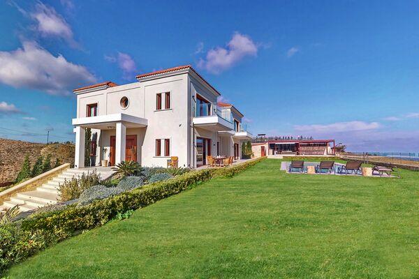 Holidays at Villa Ocean in Agia Pelagia (West Heraklion), Crete