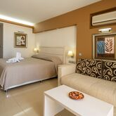 Kamari Beach Hotel Picture 8