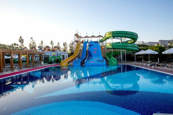 Holidays at Fame Residence Lara Hotel in Lara Beach, Antalya Region