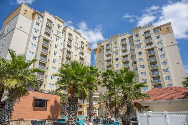 Holidays at Point Orlando Resort Hotel in Orlando International Drive, Florida