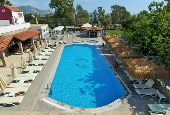 Holidays at Tiana Beach Hotel in Kadikalesi, Turgutreis