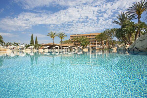 Holidays at Hipocampo Palace Hotel in Cala Millor, Majorca