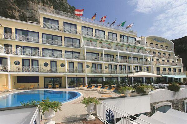 Holidays at Alimuri Hotel in Sorrento, Neapolitan Riviera
