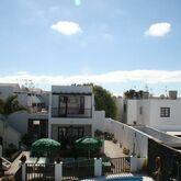 Las Lilas Apartments Picture 3