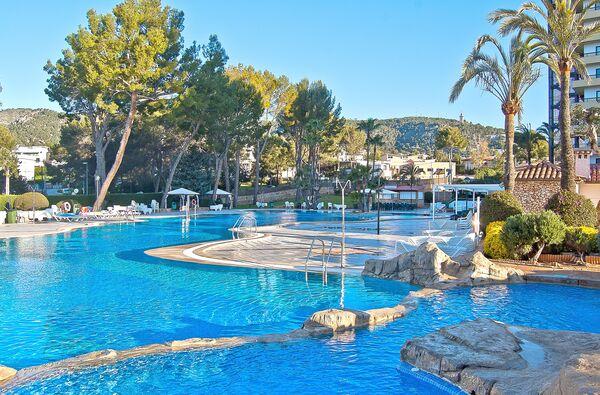Holidays at BQ Belvedere Hotel in Cala Mayor, Majorca