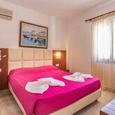Bella Vista Stalis Apartments Picture 6