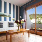 Los Rosales Apartments Picture 5