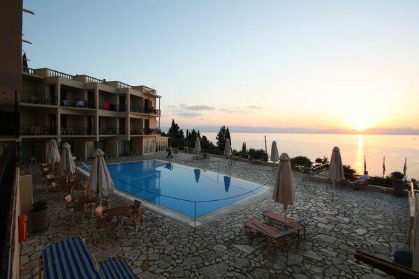 Holidays at Belvedere Hotel Corfu in Agios Ioannis Peristeron, Corfu