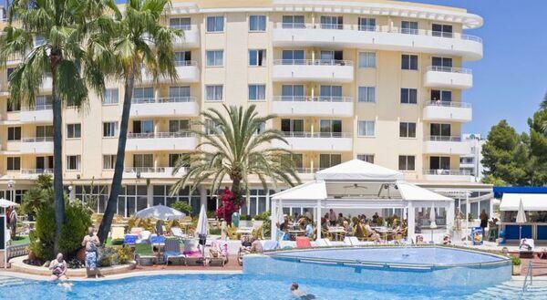 Holidays at Ivory Playa Apartments in Alcudia, Majorca