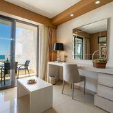 Kamari Beach Hotel Picture 9