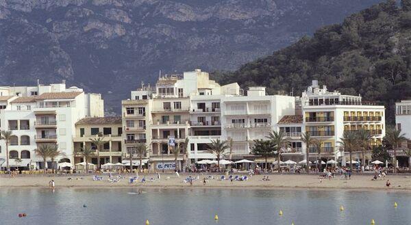 Holidays at Los Geranios Hotel in Puerto de Soller, Majorca