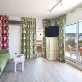 Salles Beach Apartments Picture 5