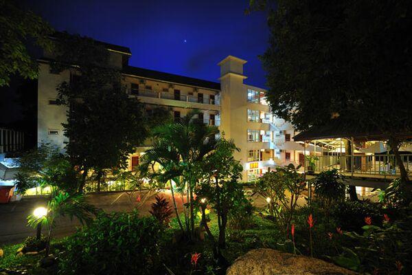 Holidays at Tri Trang Beach Resort in Phuket Patong Beach, Phuket