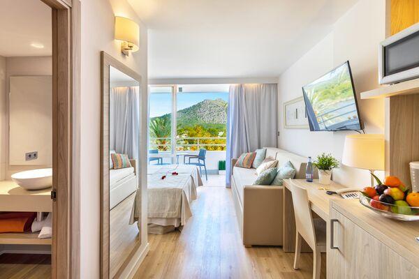 Holidays at Viva Eden Lago in Alcudia, Majorca
