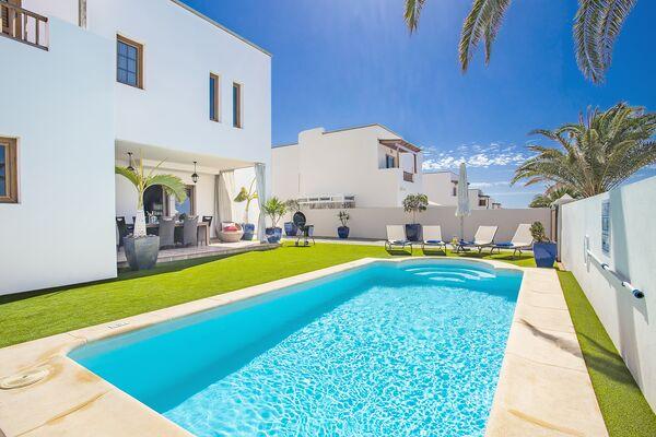 Holidays at Las Caletas Village in Costa Teguise, Lanzarote