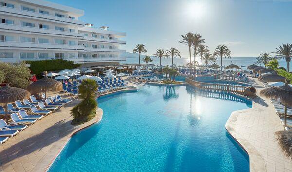 Holidays at Hotel Condesa in Alcudia, Majorca