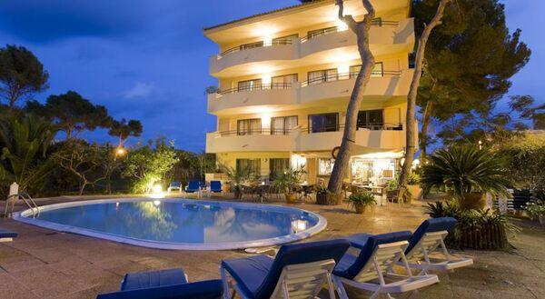 Holidays at Flacalco Park Apartments in Cala Ratjada, Majorca