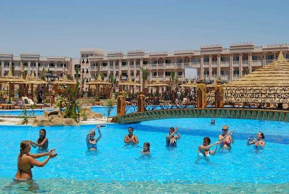Holidays at Albatros Palace in Safaga Road, Hurghada