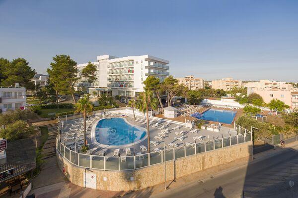 Holidays at Riviera Aparthotel in San Antonio Bay, Ibiza